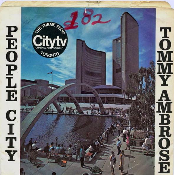 2013719-people-city